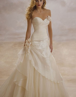 Demetrios wedding dress 3133