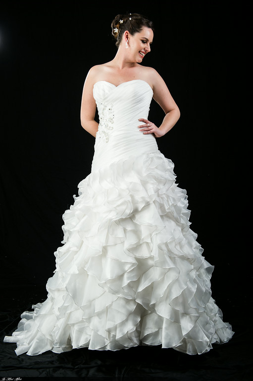 B201209 pleated bodice frill skirt wedding dress