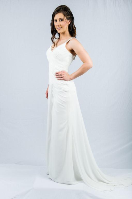 Slimfit pleated chiffon wedding dress O2201