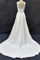 C1507 wedding dress with detachable train