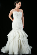 D1625 Slimfit Wedding Gown Frill Skirt