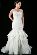 D1625 Slimfit Wedding Gown Frill Skirt