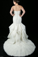 D1625 wedding dress with beautiful skirt
