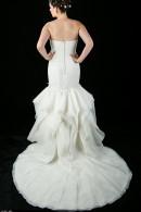 D1625 wedding dress with beautiful skirt