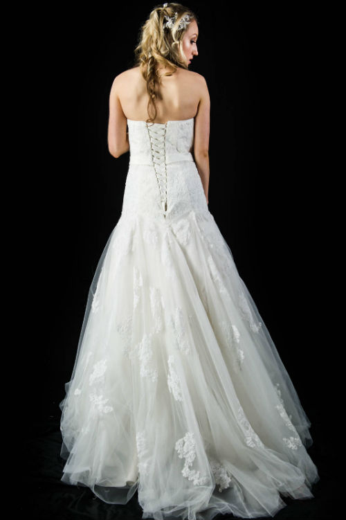 K1312 lace-up back lace applique wedding dress with train