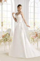 Avenue Diagonal PASHA satin wedding dress