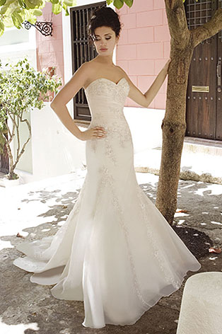 4265 Demetrios wedding dress