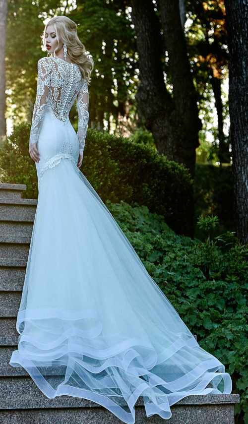 Long Sleeves lace wedding dress with detachable fancy train