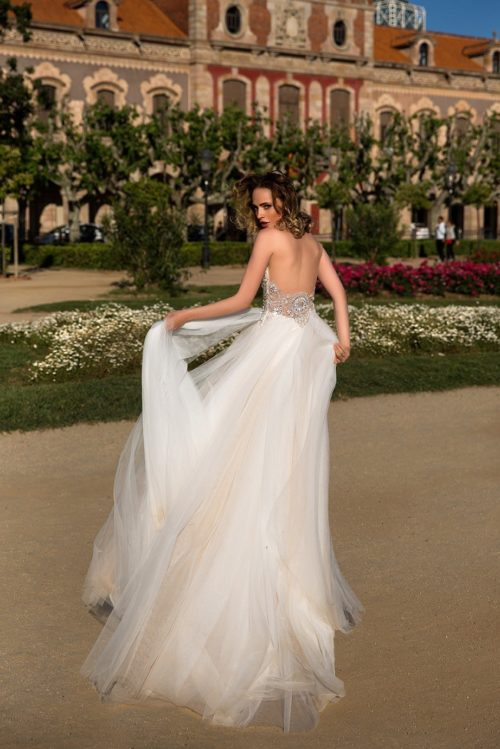 ROMANCE beautiful low back 2-tone tulle skirt wedding dress ID1128