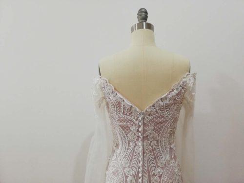 Rave wedding dress back details