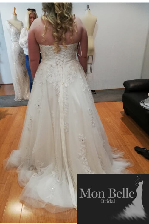 LAKEISHA lace wedding dress with train LL20882